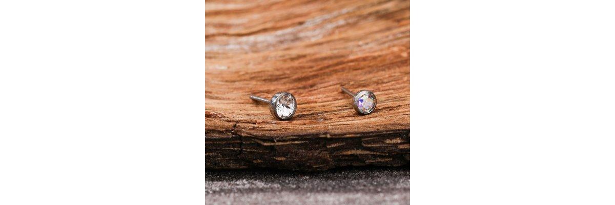 Neues Produkt: Titan Labret Stecksystem mit Kristall - Titan Labret Stecksystem Online Shop | PIERCING-EXPRESS