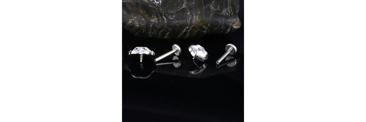 Derzeit Beliebt:  Labret Piercings mit Innengewinde für Ohr Piercings - Internally Threaded Ohr Labret mit Innengewinde | PIERCING-EXPRESS