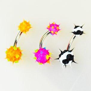 Bauchnabelpiercing mit Neon Silikon Zacken Kugeln